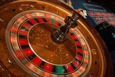 roulette playing 400x270 - Characteristics of Types of Bets in Roulette You Should Know